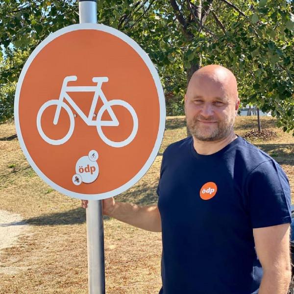 Verkehrsschild Radweg